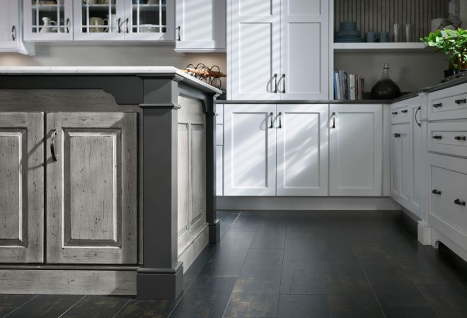 Park Place Flat Panel maple Sea Salt Classic and Earl Grey Classic; island in Park Place Raised Panel cherry Silver Appaloosa