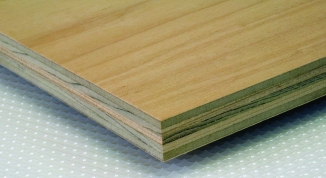 Engineered core plywood